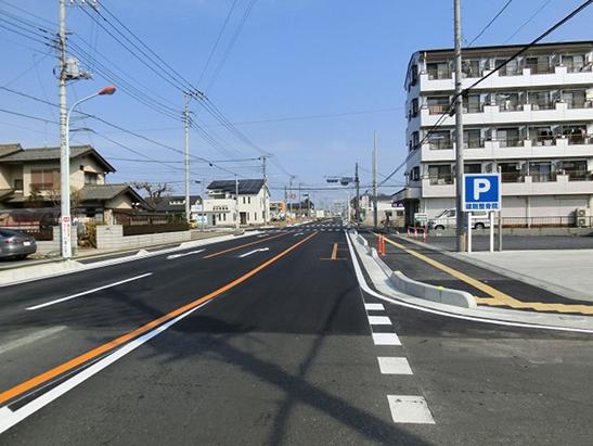 25高坂駅東口第一地区高坂駅東通線築造工事